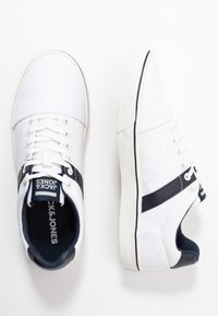 Jack & Jones - JFWCALI - Sneakers laag - white - 1