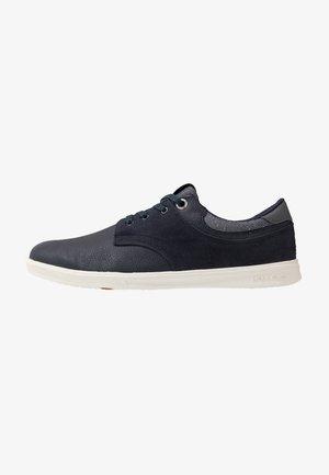 JFWSPENCER - Sneakersy niskie - navy blazer