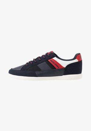 JFWBYSON SPORT - Sneakers laag - navy blazer