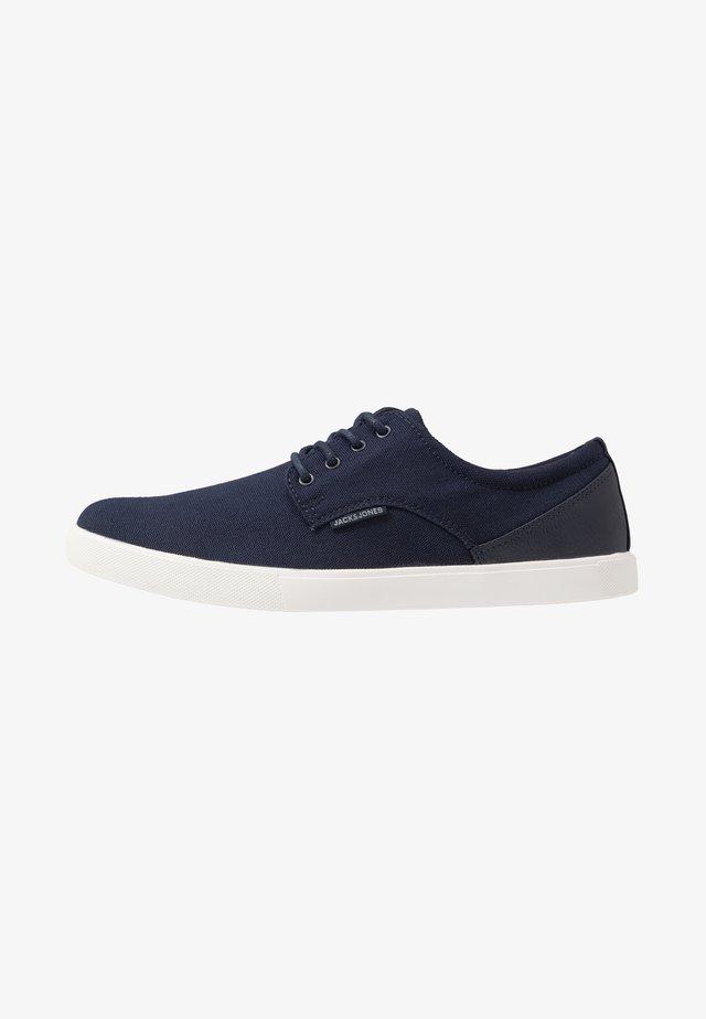 JFWNIMBUS  - Sneakersy niskie - navy blazer