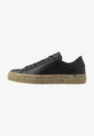JFWLOGIC - Sneakers - black
