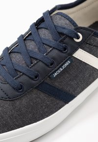 Jack & Jones - JFWLOGAN - Sneakersy niskie - blue - 5