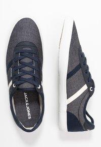 Jack & Jones - JFWLOGAN - Sneakersy niskie - blue - 1