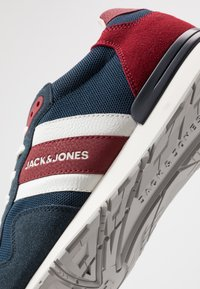 Jack & Jones - JFWSTELLAR - Sneakersy niskie - majolica blue - 5