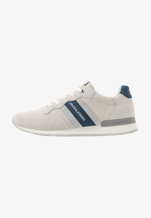 JFWSTELLAR CASUAL - Sneaker low - white
