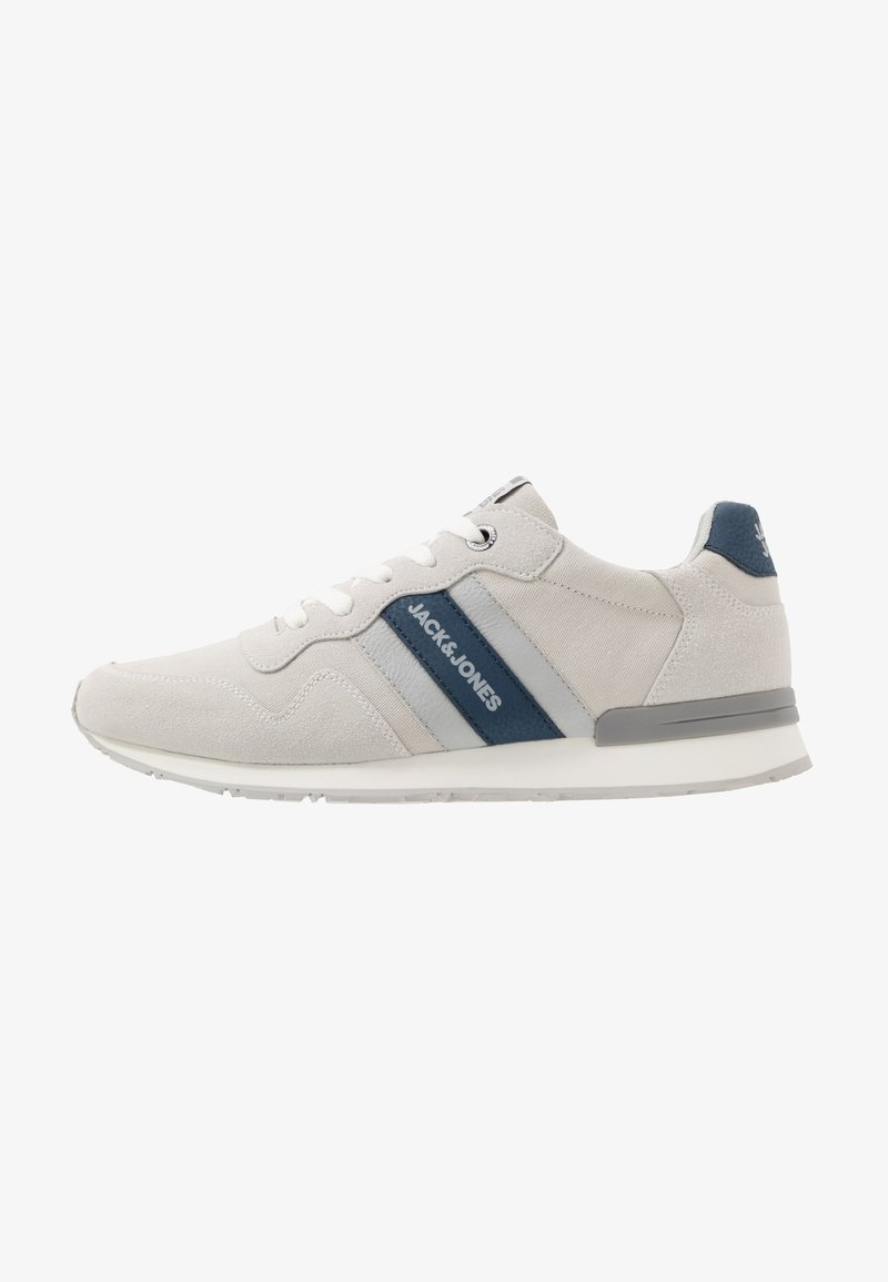 Jack & Jones - JFWSTELLAR CASUAL - Sneakersy niskie - white