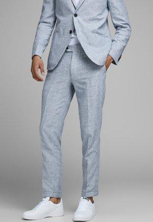 LINEN MIXED FIBER SUIT PANTS - Suit trousers - light blue