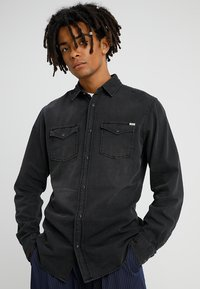 Jack & Jones - JJESHERIDAN SLIM - Koszula - black denim/slim - 0