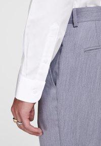 Jack & Jones - ELEGANTES - Zakelijk overhemd - white - 4