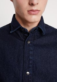 Jack & Jones - JCOCHAMP WORKER - Spijkerjas - dark blue denim - 5