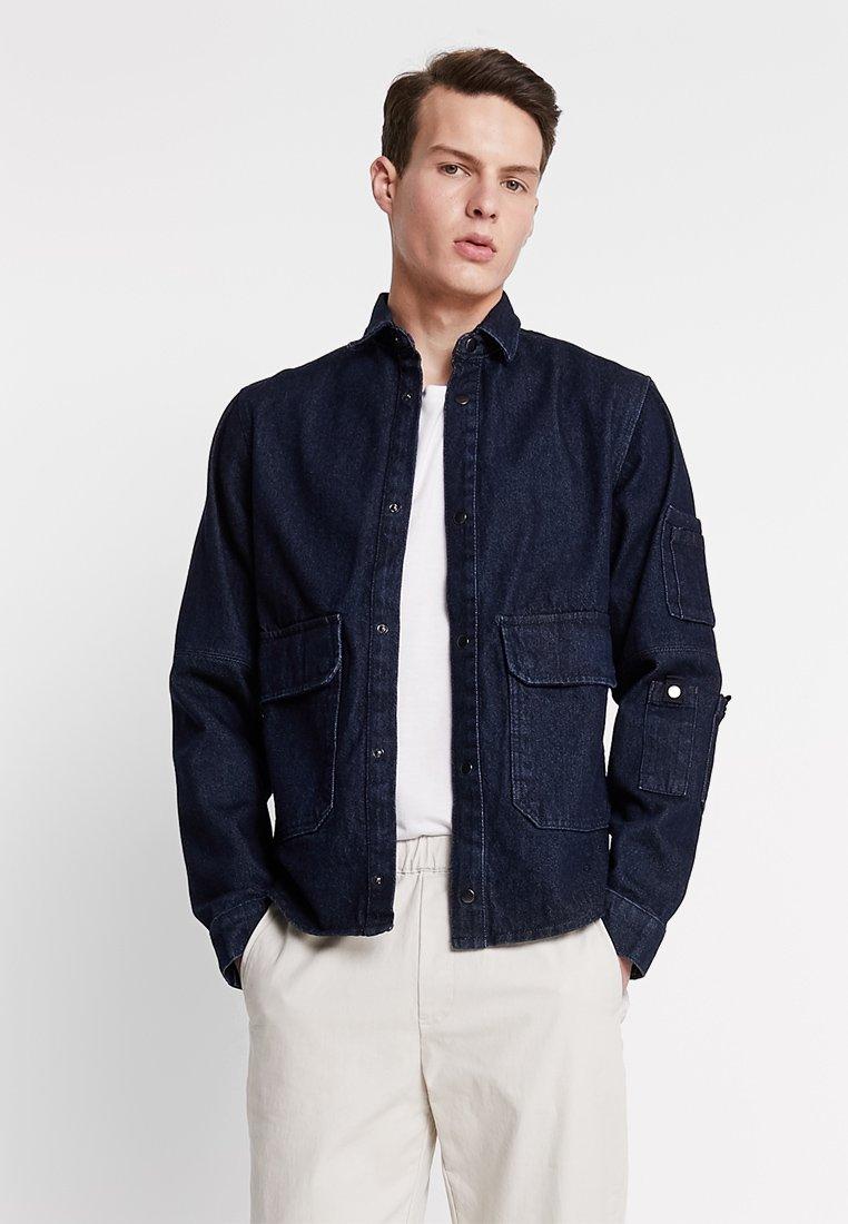 Jack & Jones - JCOCHAMP WORKER - Kurtka jeansowa - dark blue denim