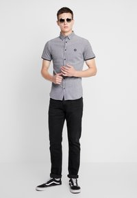 Jack & Jones - JCOADAM PLAIN SLIM FIT - Košile - black - 1