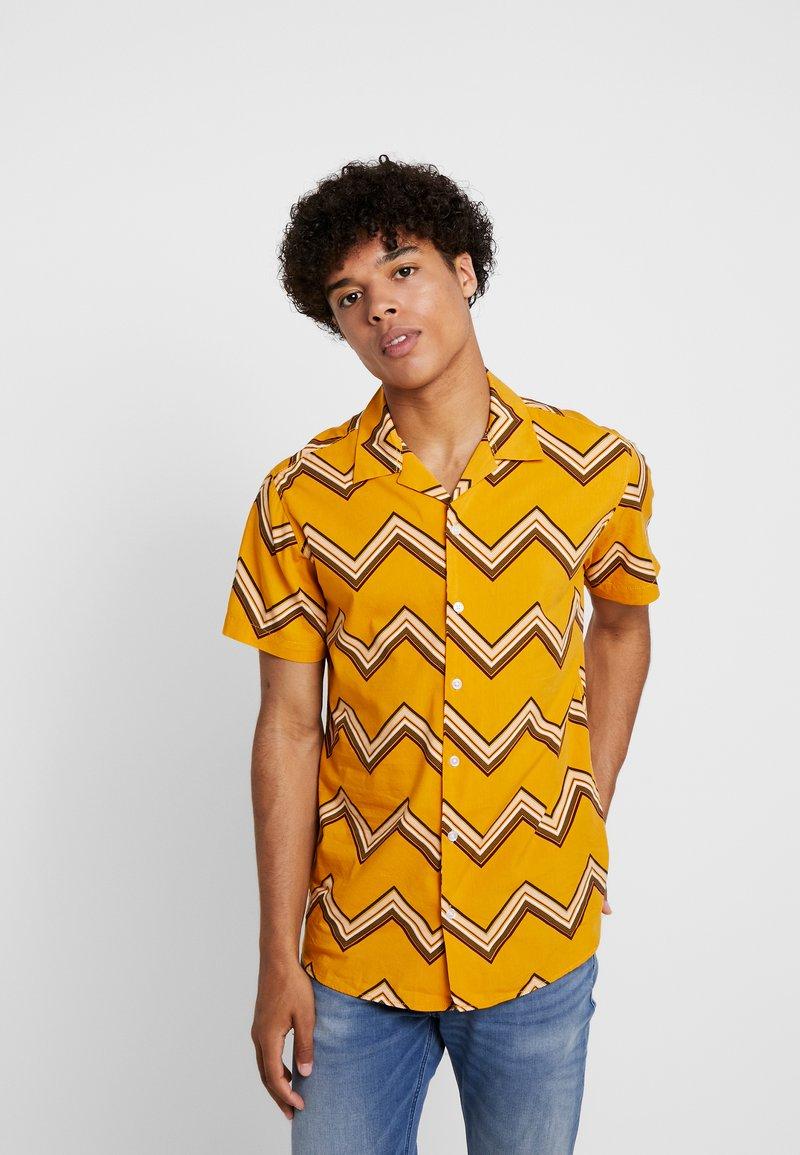 Jack & Jones - JORKENJI  - Shirt - sunflower