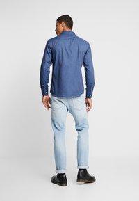 Jack & Jones - JORLUNDDAHL SLIM FIT - Košile - navy blazer - 2