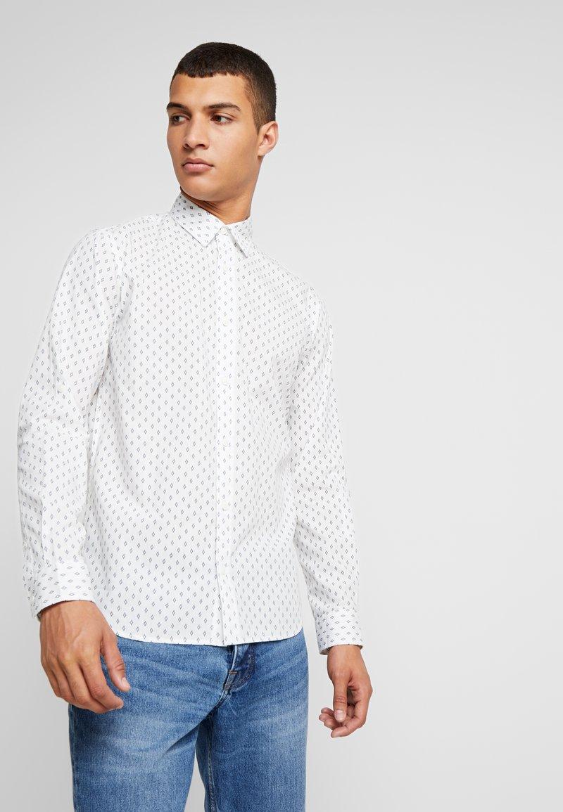 Jack & Jones - JORWIND SHIRT - Camisa - white/navy