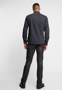 Jack & Jones - JORWIND SHIRT - Skjorta - navy blazer/white - 2