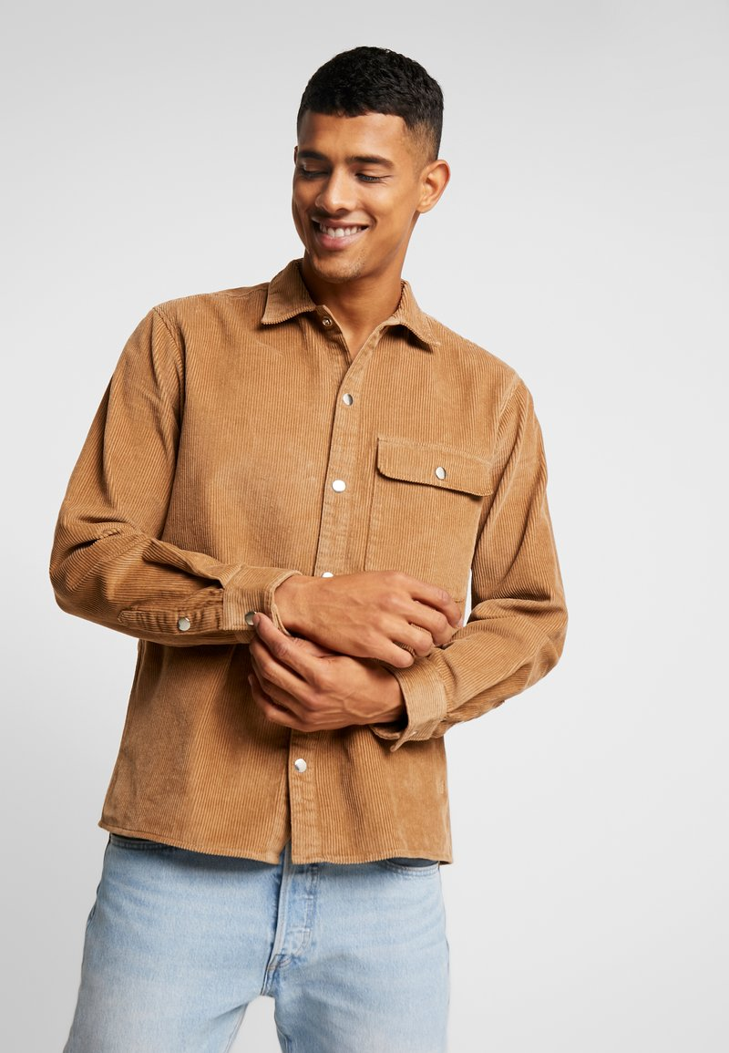 Jack & Jones - JORRAYAN SHIRT  - Leichte Jacke - tigers eye