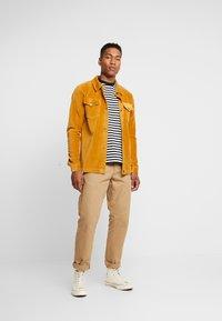 Jack & Jones - JORTOD REGULAR FIT - Shirt - sunflower - 1