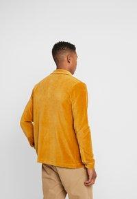 Jack & Jones - JORTOD REGULAR FIT - Shirt - sunflower - 2
