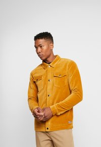Jack & Jones - JORTOD REGULAR FIT - Shirt - sunflower - 0