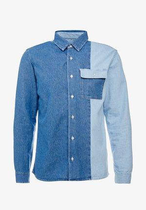 JJIBOBBY JJSHIRT - Shirt - blue denim