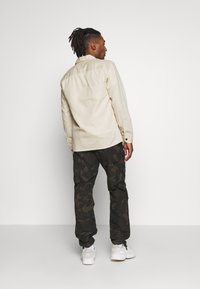 Jack & Jones - JORENOK  - Shirt - silver birch - 2