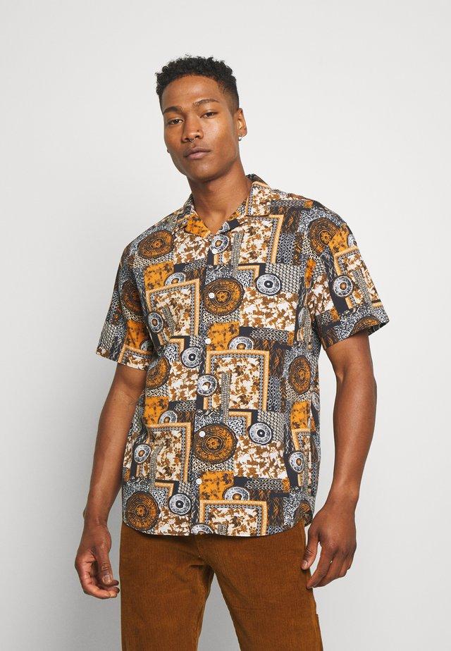 JORWILL RESORT - Camicia - tobacco brown