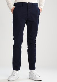 Jack & Jones - JJIMARCO JJENZO - Pantaloni - navy blazer - 0