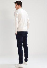 Jack & Jones - JJIMARCO JJENZO - Pantaloni - navy blazer - 2