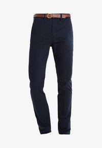 Jack & Jones - JJICODY JJSPENCER - Chino kalhoty - navy blazer - 5