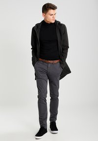 Jack & Jones - JJICODY JJSPENCER - Trousers - dark grey - 1