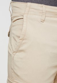 Jack & Jones - JJIPAUL JJFLAKE - Pantaloni cargo - white pepper - 3