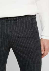 Jack & Jones - JJIMARCO JJCHARLES  - Pantalon classique - dark grey - 3