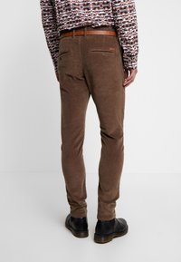 Jack & Jones - JJIMARCO  - Broek - morel - 2