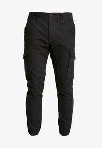 Jack & Jones - JJIPAUL JJFLAKE HERRINGBON - Pantaloni cargo - black - 3