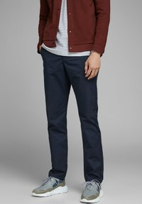 Jack & Jones - Chinot - navy blazer - 0