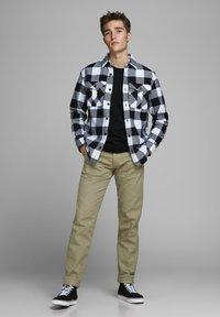 Royal Denim Division by Jack & Jones - MIKE  - Straight leg jeans - brown - 1