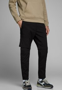 Jack & Jones - ACE ASSER PANT AKM - Cargobroek - black - 0