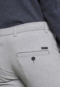 Jack & Jones - JJIMARCO JJCONNOR  - Pantalon classique - grey melange - 4
