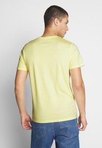 Jack & Jones - JORRICKY TEE CREW NECK - T-shirt print - flan - 2