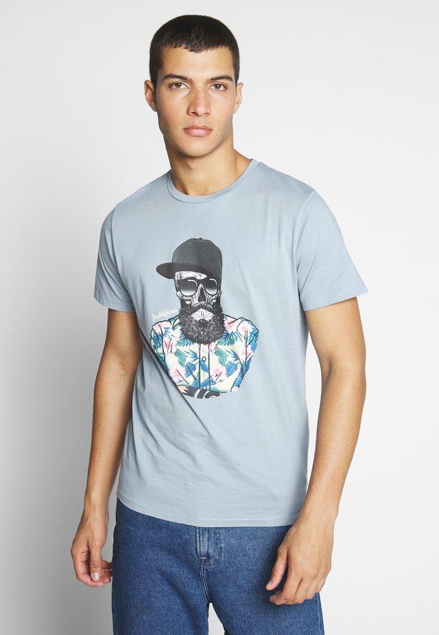 JORRICKY TEE CREW NECK - T-shirt con stampa - ashley blue