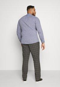 Jack & Jones - JJIMARCO JJCONNOR CHECK - Trousers - grey - 2