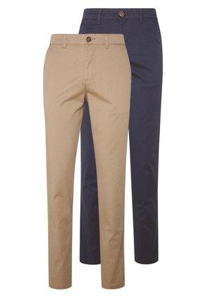 JJIMARCO JJDAVE 2 PACK - Chino kalhoty - beige/navy blazer
