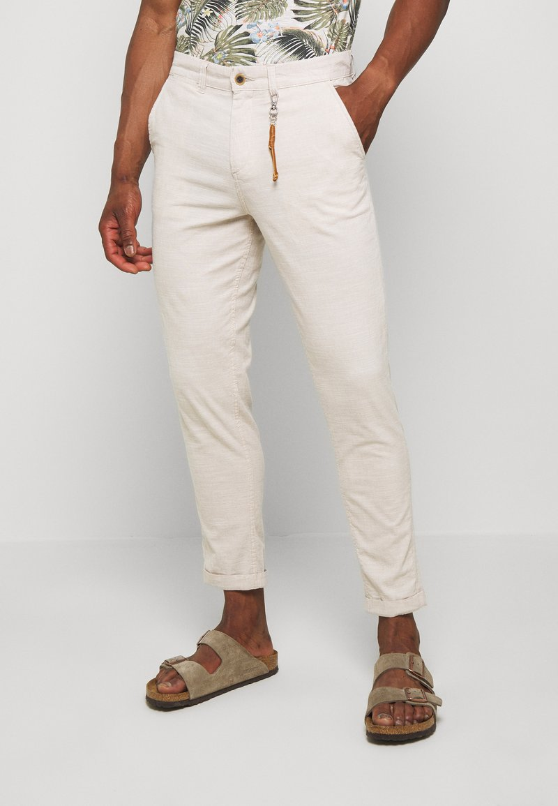 Jack & Jones - JJIACE JJLINEN  - Trousers - silver birch