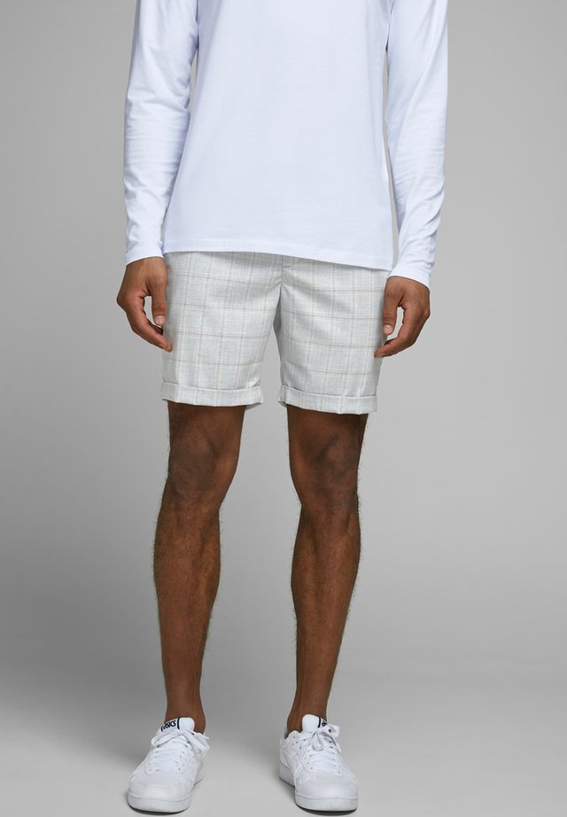 CONNOR - Shorts - silver