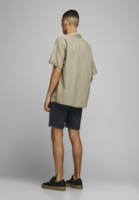 Jack & Jones - CONNOR - Short - charcoal gray - 2