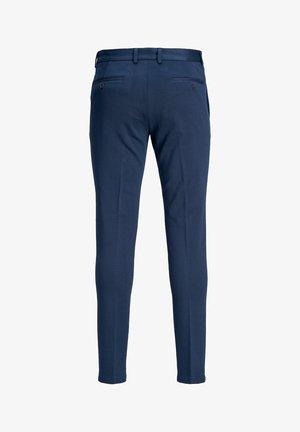 Pantalones chinos - navy blazer