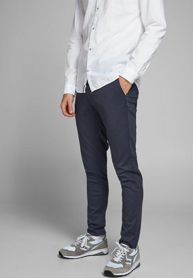 Chinos - navy blazer