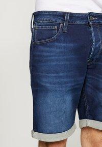 Jack & Jones - JJIRICK JJICON  - Shorts di jeans - blue denim - 3