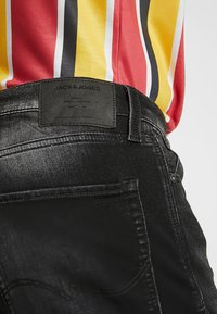 Jack & Jones - JJIRICK JJICON - Jeansshort - black denim - 5